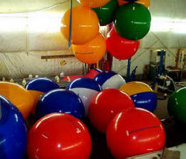5ft_helium_balls_colorful